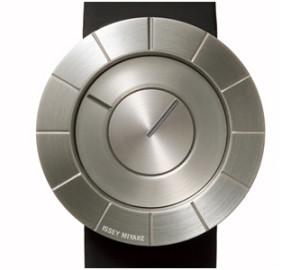 """Tokujin Yoshioka's """"TO"""" Watch© Miyake Design Inc."""